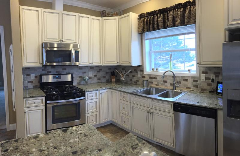 Cambridge White Kitchen Cabinets