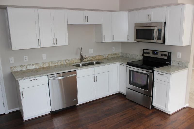 White Shaker Cabinets With White Appliances